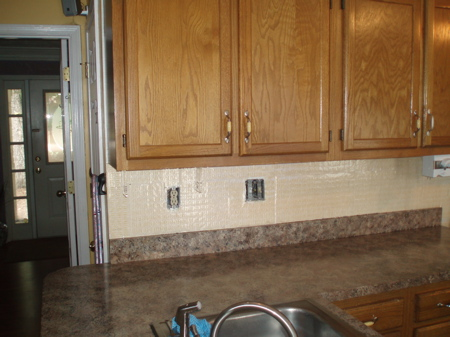 DIY Kitchen Renovations ~ Glass Tile Backsplash